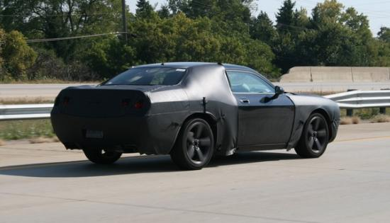 The 2009 Dodge Challenger will make a debut at the Chicago Auto Show in