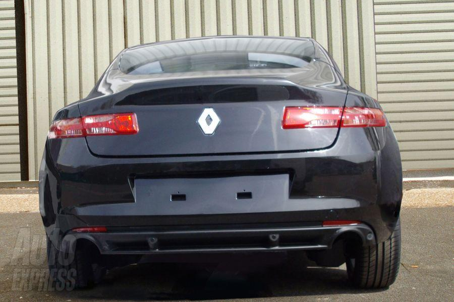 The Renault Laguna coupe goes on market before the end of the year,
