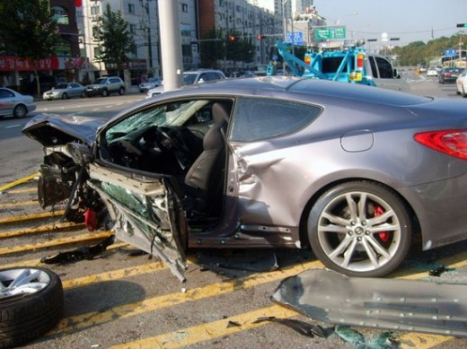 [Image: hyundai-genesis-coupe-1-accident-520x389.jpg]