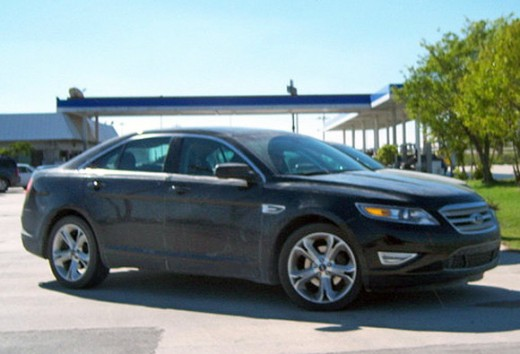 The 2010 Ford Taurus SHO test mule were spotted at a gas station somewhere