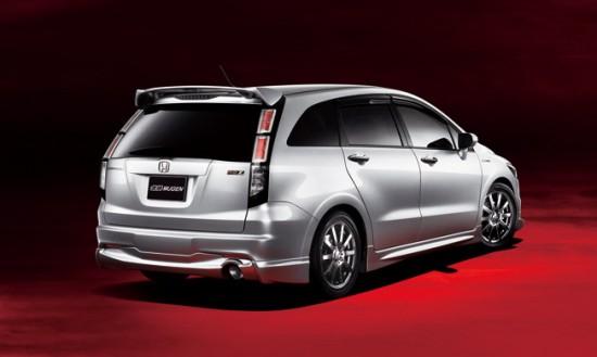 Mugen's aero body kit for 2010 Honda Stream MPV