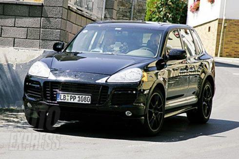 Facelifted Porsche Cayenne